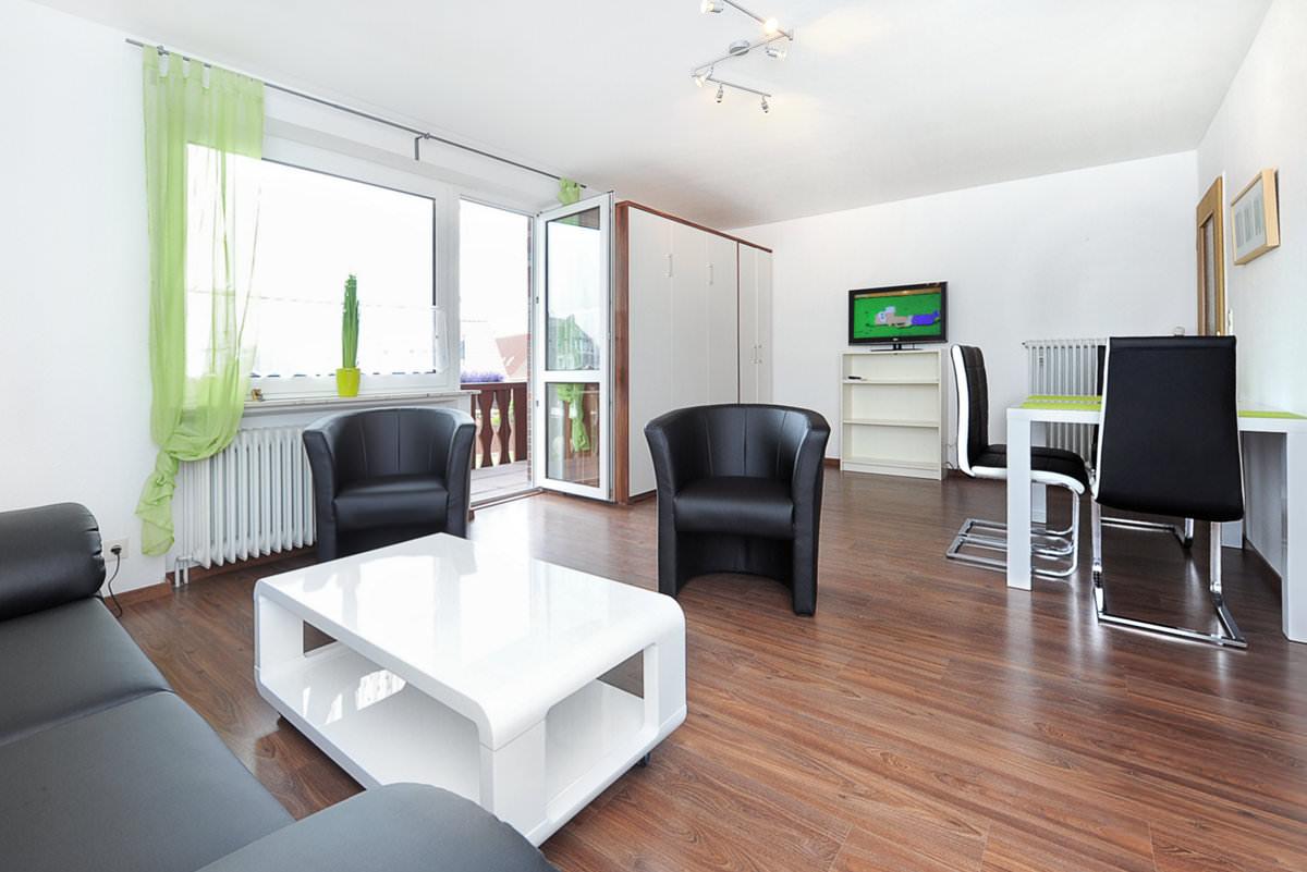 Wohnzimmer einer Ferienwohnung